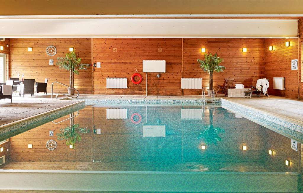Flear Farm Cottages Indoor Pool
