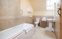 Stables Cottage bathroom