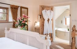 Dovecote king bedroom and en suite