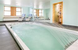 Retreat swim spa pool and jacuzzi