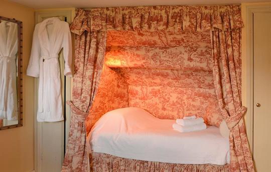 Cheltenham Twin Room