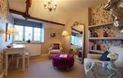 Cottage dressing room 2