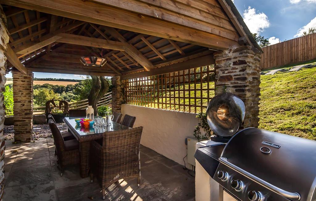 Old Farmhouse covered barbecue area