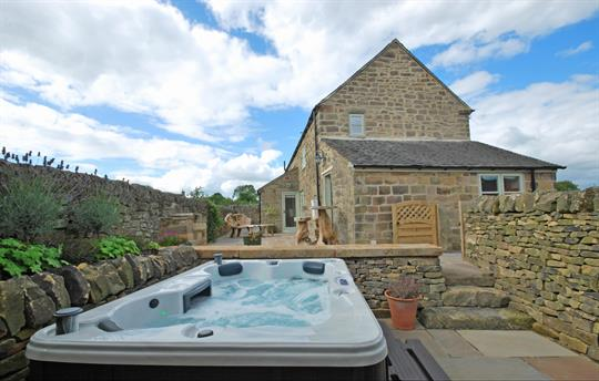 Heather Cottage hot tub