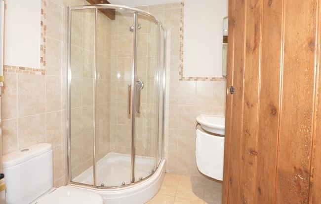 Twin en-suite shower room