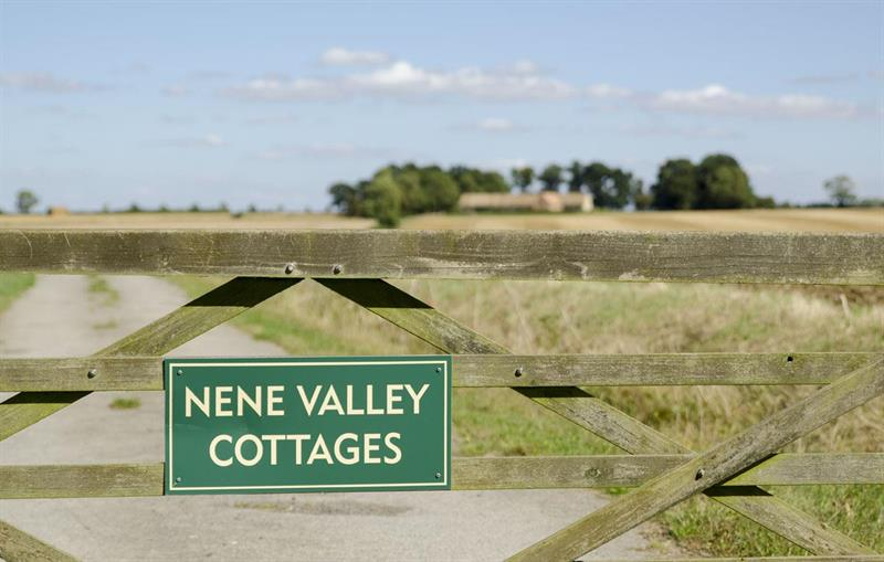 Nene Valley Cottages Entrance Gate