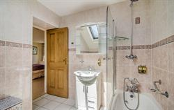The Coach House En-suite Bathroom