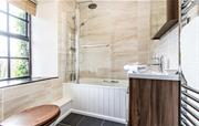 Farmhouse ensuite bathroom