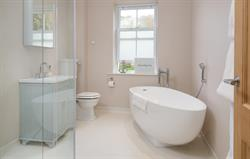Orchrd House En-Suite Bathroom
