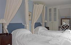 Bookers Twin Bedroom