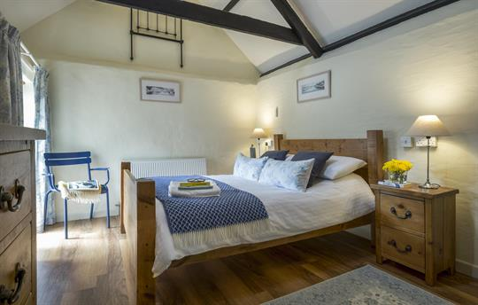 Hedgerows double bedroom