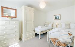 Heron twin bedroom 1