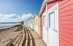 Hire a beach hut at Bude