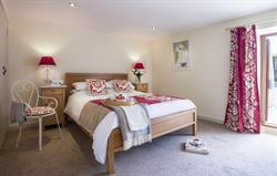 Lovedays - double bedroom