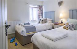 Lovedays - twin bedroom