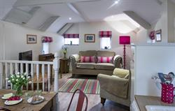 Corner Cottage - Lounge