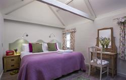 Corner Cottage - Bedroom