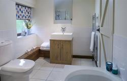 Corner Cottage - bathroom