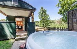 Hot Tub And Varanda
