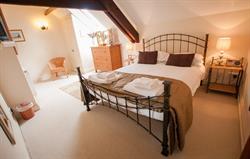 Flint Cottage - master bedroom