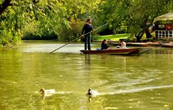 Punting from Cherwell Boathouse, Ox
