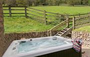 Orchard Barn hot tub