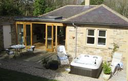 Gate Lodge and private hot tub