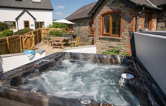 The Barn hot tub