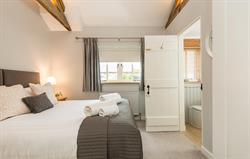 Swallow bedroom en suite bathroom