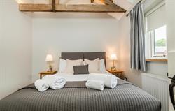 Swallow zip & link bedroom