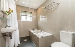 Tern bathroom