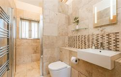Coot Cottage bathroom