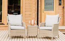 Cwtch outside seating