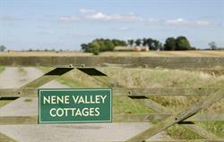 Nene Valley Cottages Entrance Gate