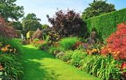 Hidcote Garden (NT) - 10 miles away