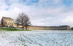 Royal Crescent, Bath, 15 mins walk