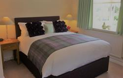 Harewood master with kingsize bed