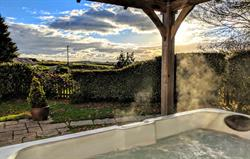 Coach House private hot tub